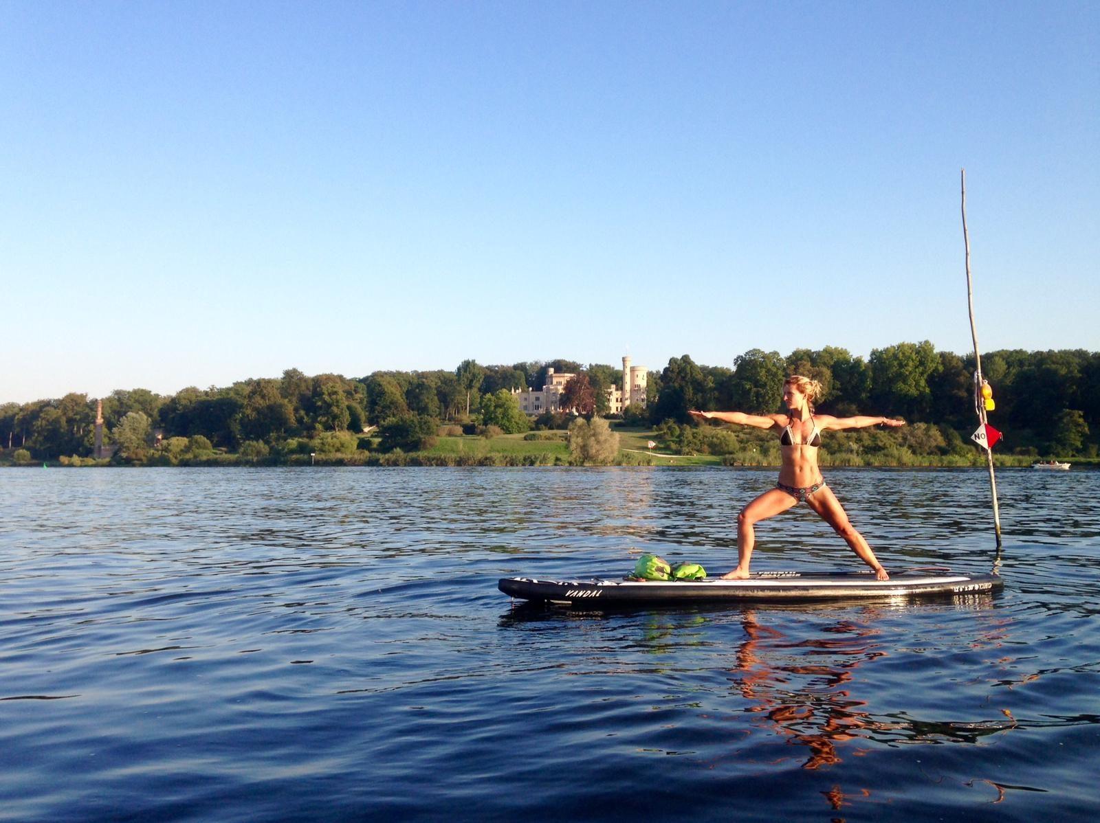 SUP Yoga Schlachtensee Anika Haselhoff